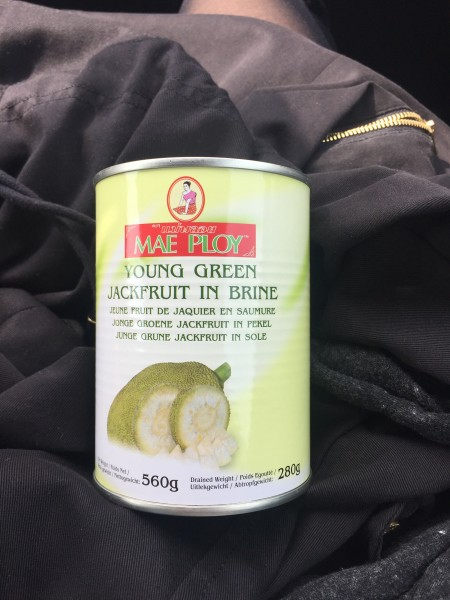 Unreife Jackfruit in Salzlake aus dem Asialaden