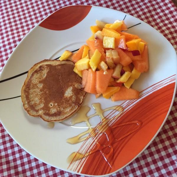 Vegane Pancakes mit Obstsalat. Diese Melone war einfach der Hammer!